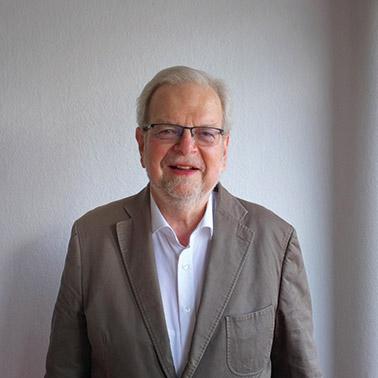 Brenneke Porträt Dr. Peter Mank
